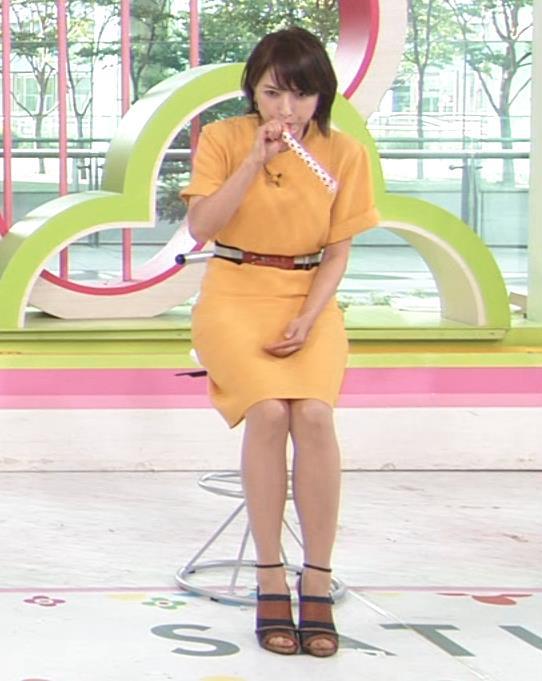 アナ エロい脚とお尻のラインキャプ・エロ画像