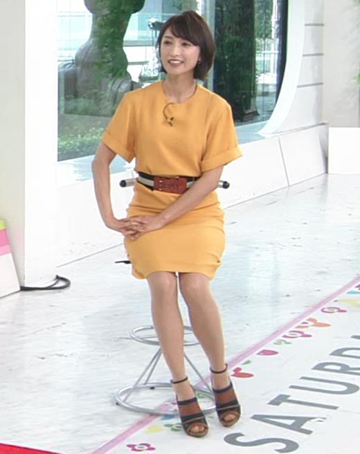 アナ エロい脚とお尻のラインキャプ・エロ画像3
