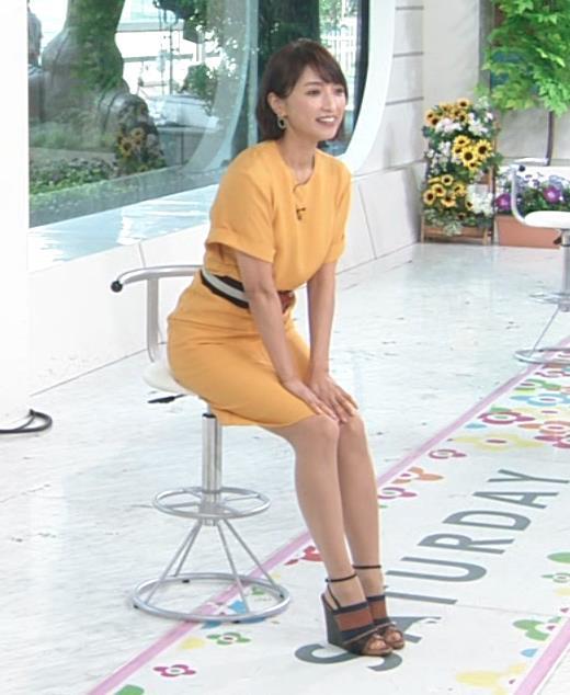アナ エロい脚とお尻のラインキャプ・エロ画像7