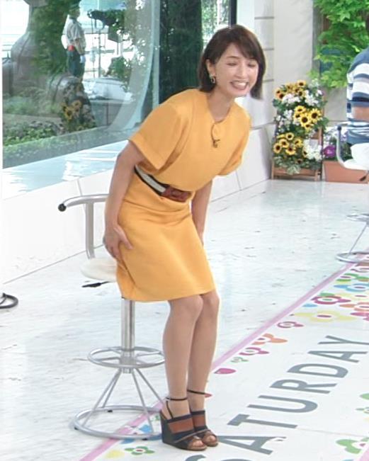 アナ エロい脚とお尻のラインキャプ・エロ画像9