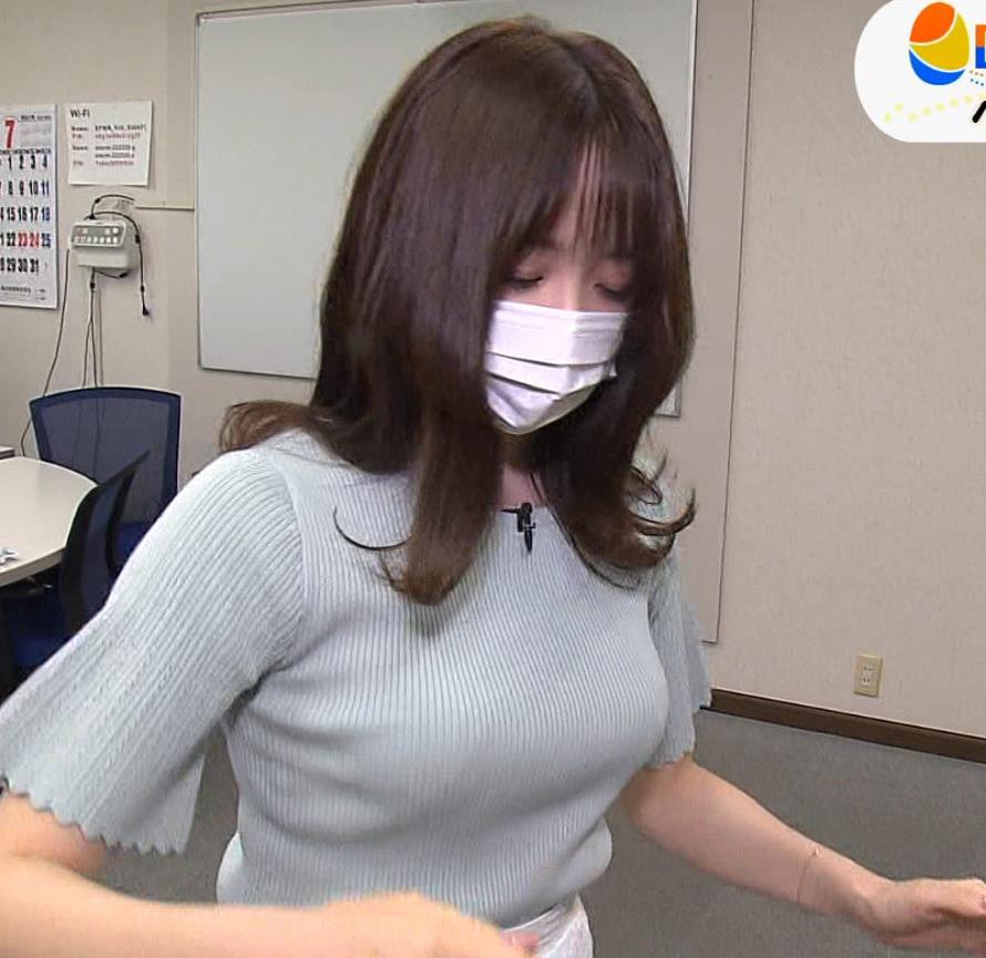 森香澄アナ 巨乳が際立つニットキャプ・エロ画像9