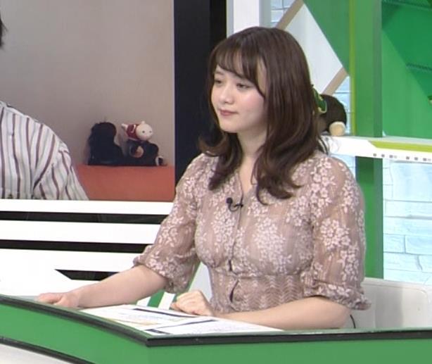 森香澄アナ おっぱいクッキリエロ衣装キャプ・エロ画像2
