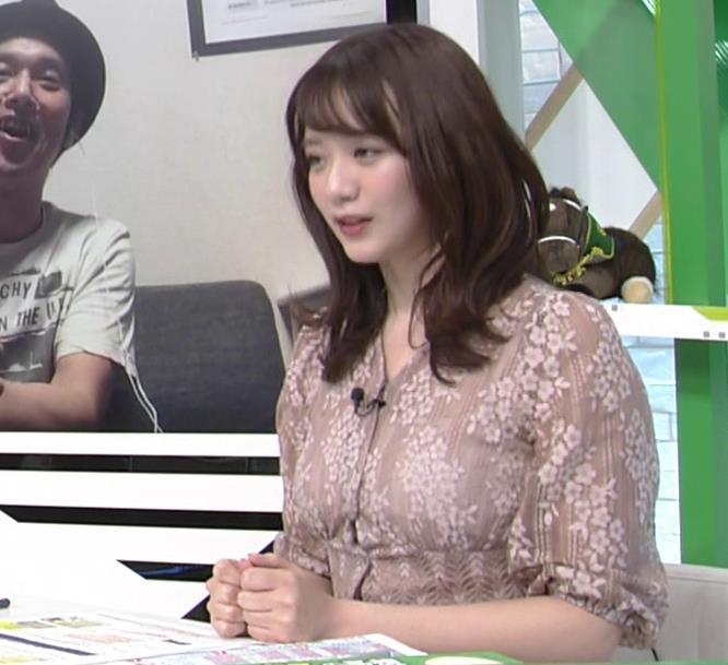 森香澄アナ おっぱいクッキリエロ衣装キャプ・エロ画像13