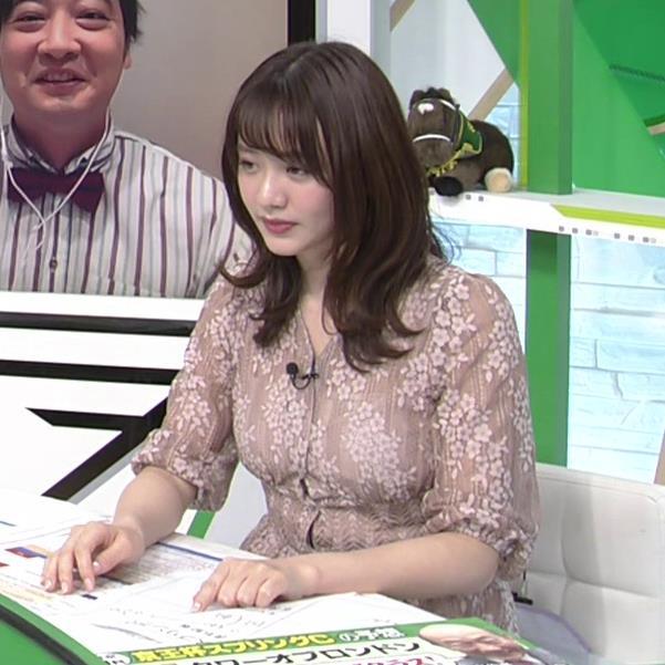 森香澄アナ おっぱいクッキリエロ衣装キャプ・エロ画像14