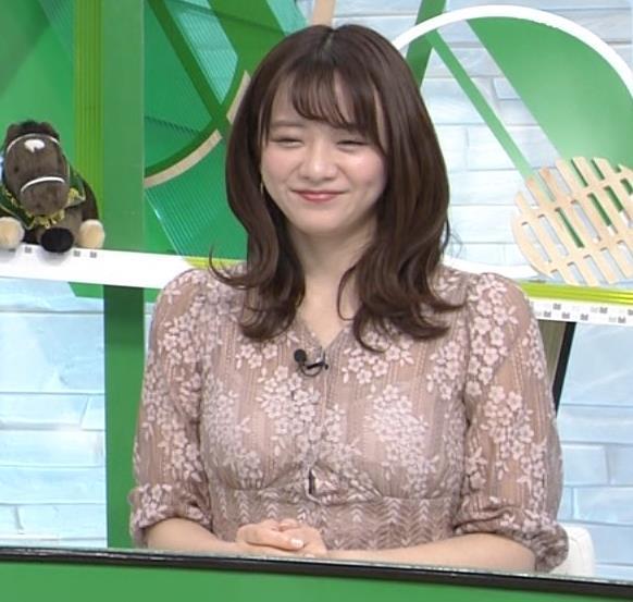 森香澄アナ おっぱいクッキリエロ衣装キャプ・エロ画像4