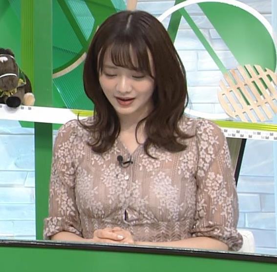 森香澄アナ おっぱいクッキリエロ衣装キャプ・エロ画像5