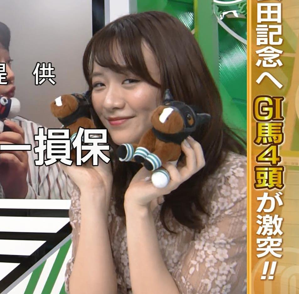 森香澄アナ おっぱいクッキリエロ衣装キャプ・エロ画像9