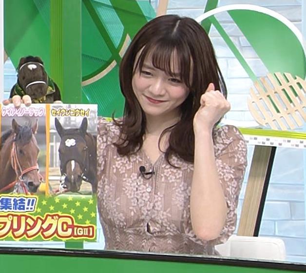 森香澄アナ おっぱいクッキリエロ衣装キャプ・エロ画像10