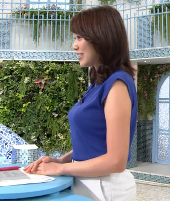 中川安奈アナ 巨乳横乳キャプ・エロ画像4