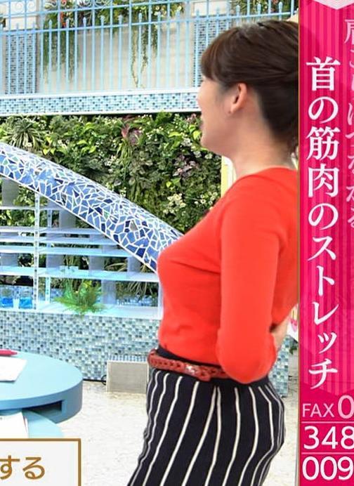 中川安奈アナ 巨乳横乳&お尻エロキャプ・エロ画像9