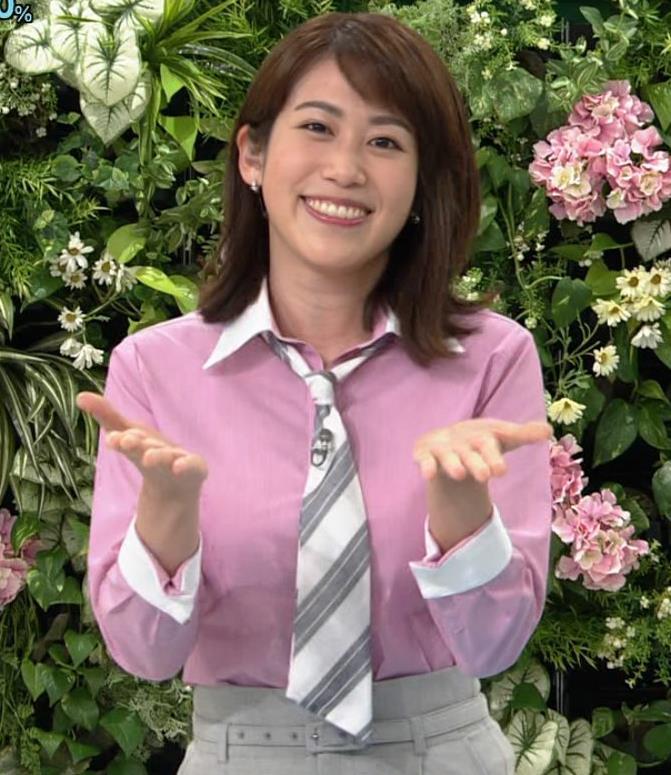 中川安奈アナ 巨乳なのにピチピチなTシャツを着てくれるキャプ・エロ画像6