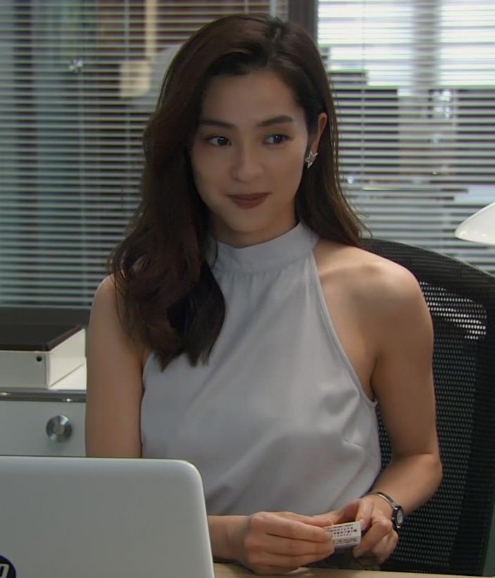 中村アン セクシーなノースリーブキャプ・エロ画像