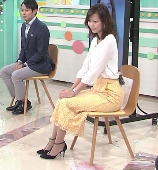 斎藤真美アナ スカートから脚のラインが浮き出るキャプ・エロ画像4