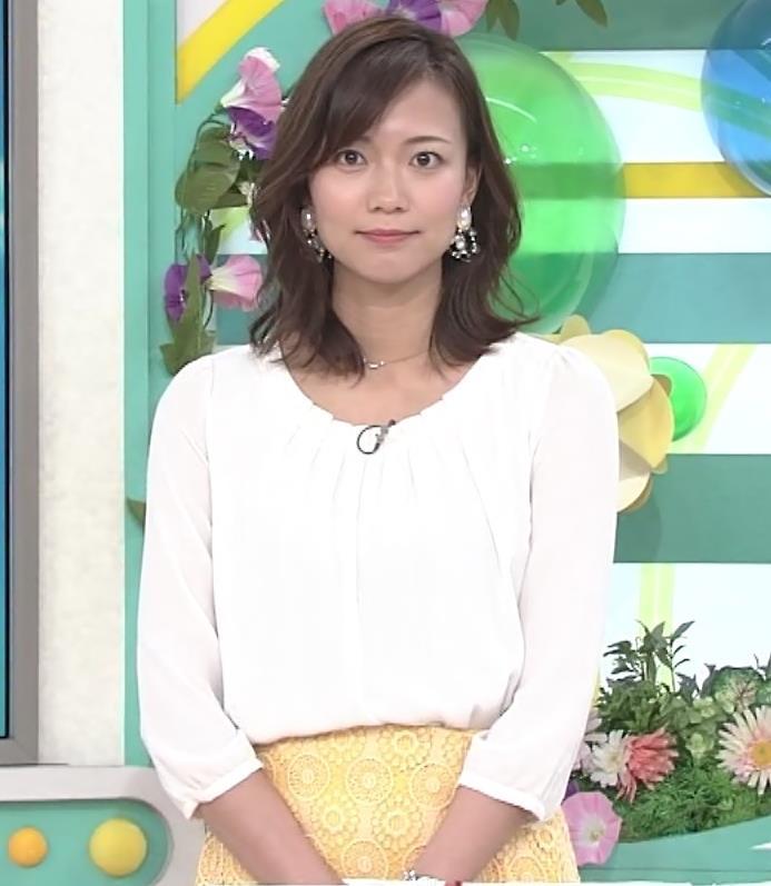 斎藤真美アナ スカートから脚のラインが浮き出るキャプ・エロ画像6