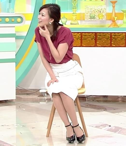 斎藤真美アナ タイトめなスカートのお尻キャプ・エロ画像2