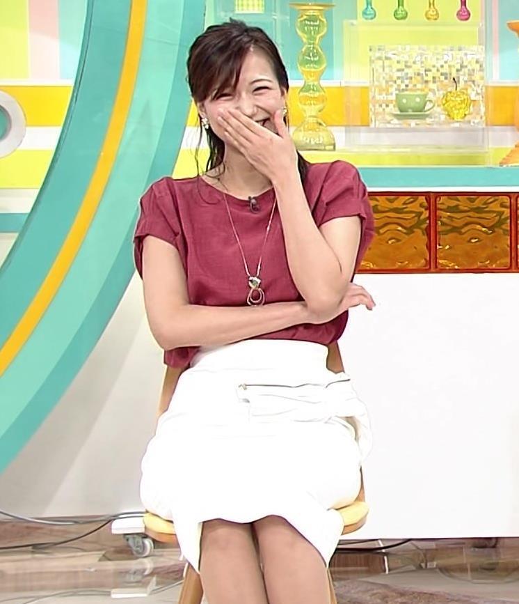 斎藤真美アナ タイトめなスカートのお尻キャプ・エロ画像4
