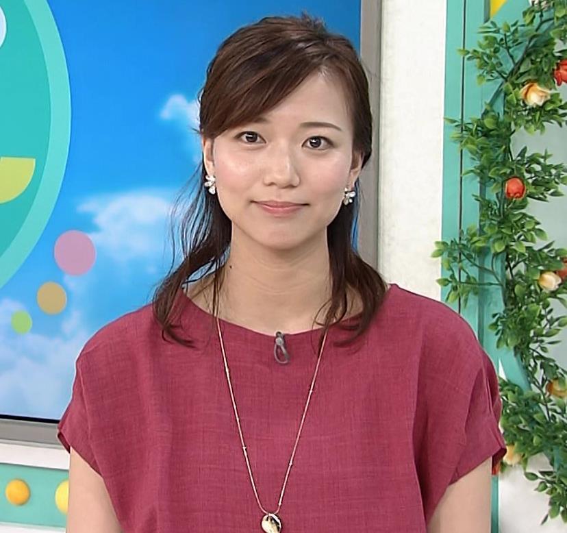 斎藤真美アナ タイトめなスカートのお尻キャプ・エロ画像5