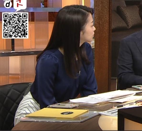 副島萌生アナ 横乳キャプ・エロ画像4