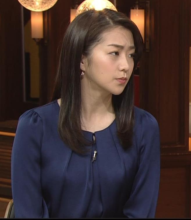 副島萌生アナ 横乳キャプ・エロ画像5