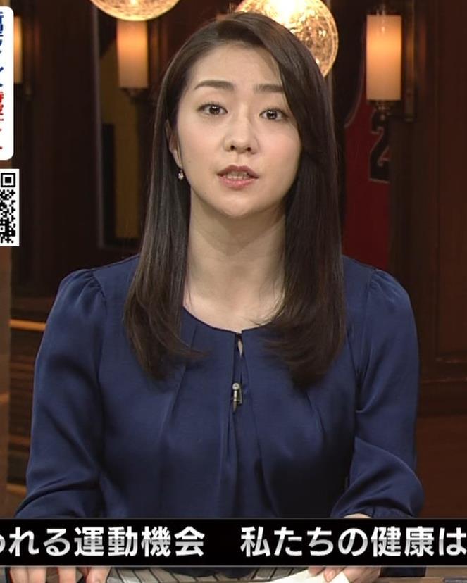 副島萌生アナ 横乳キャプ・エロ画像7