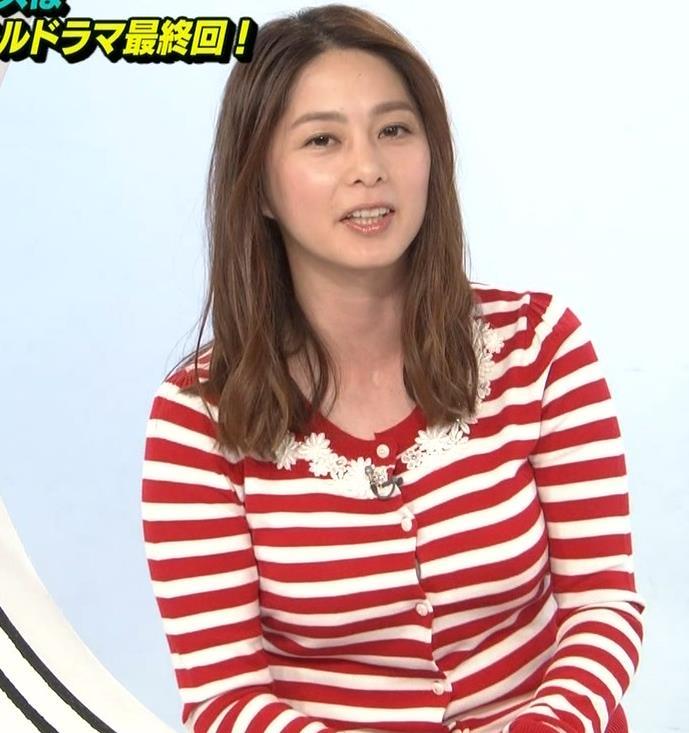杉浦友紀アナ 巨乳が際立つボーダー柄キャプ・エロ画像3