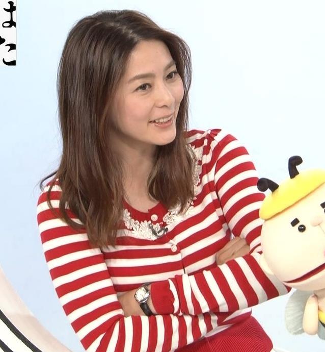 杉浦友紀アナ 巨乳が際立つボーダー柄キャプ・エロ画像7