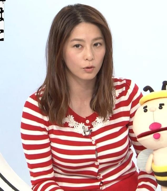 杉浦友紀アナ 巨乳が際立つボーダー柄キャプ・エロ画像8