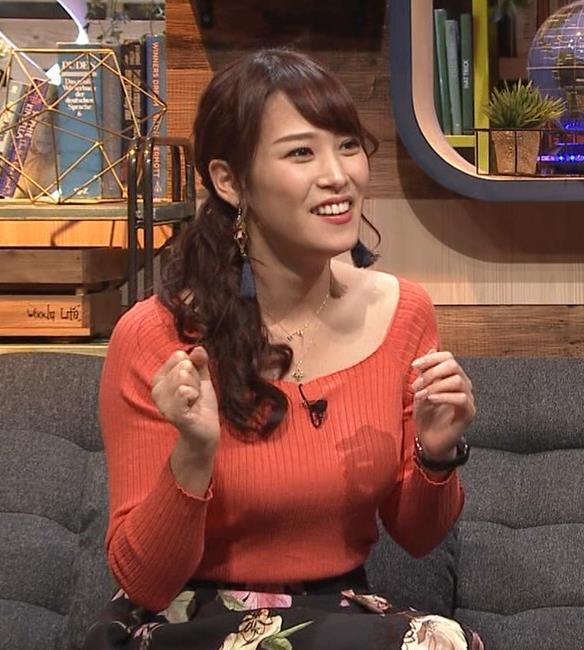 鷲見玲奈アナ ニット爆乳キャプ・エロ画像3