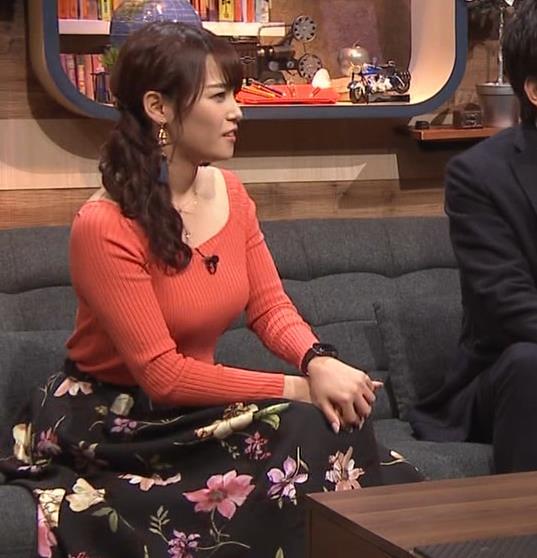 鷲見玲奈アナ ニット爆乳キャプ・エロ画像9
