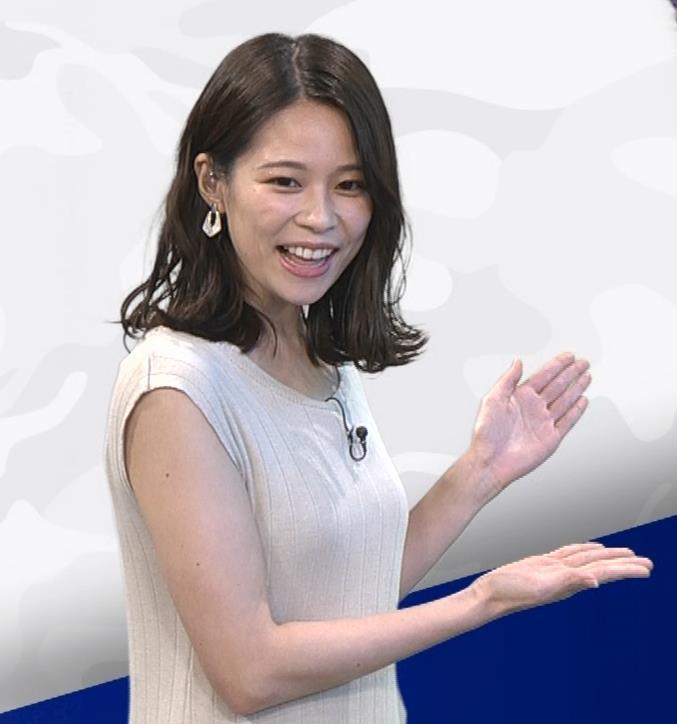 鈴木唯アナ 巨乳でエッチなノースリーブキャプ・エロ画像5