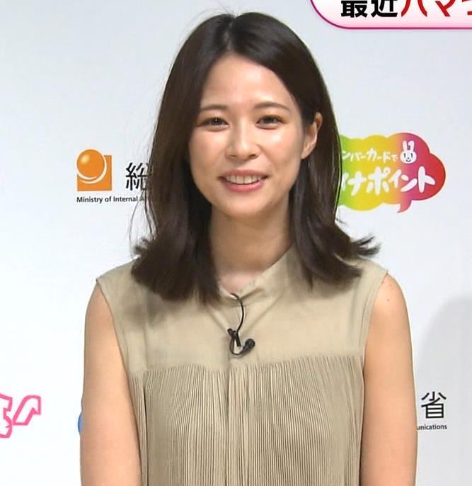 鈴木唯アナ ワキ全開キャプ・エロ画像2