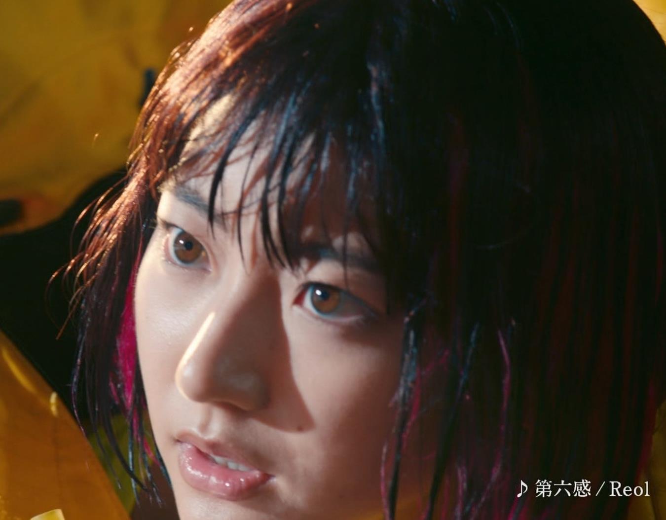 武田玲奈 ビキニおっぱいが見れるCMキャプ・エロ画像2