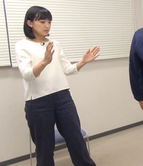 竹内由恵アナ 胸がエロいシャツキャプ・エロ画像
