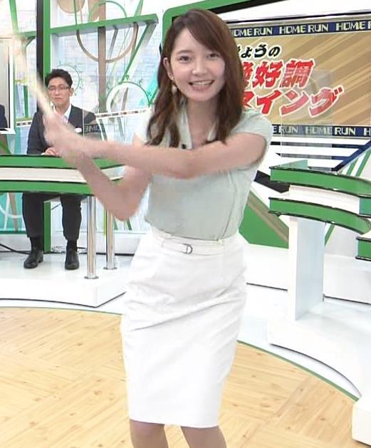 竹崎由佳アナ バットを振ってエロいカラダのラインが際立つキャプ・エロ画像4