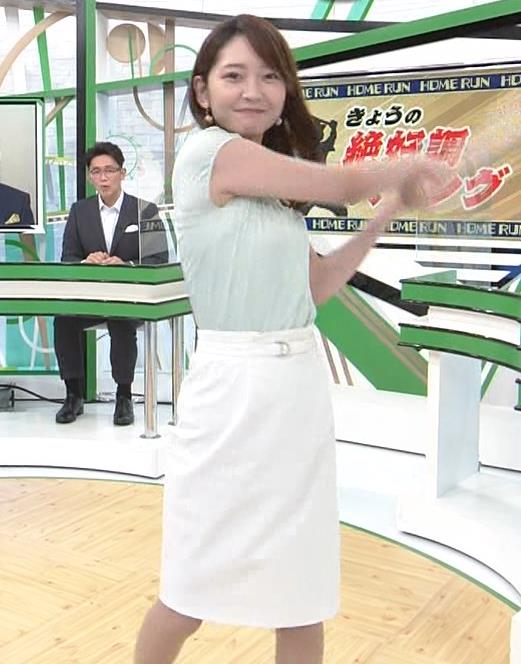 竹崎由佳アナ バットを振ってエロいカラダのラインが際立つキャプ・エロ画像5