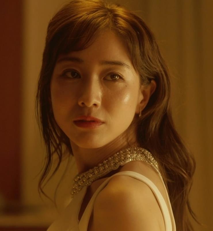田中みな実 おっぱいが露出したり、ドラマでのエロ役キャプ・エロ画像11