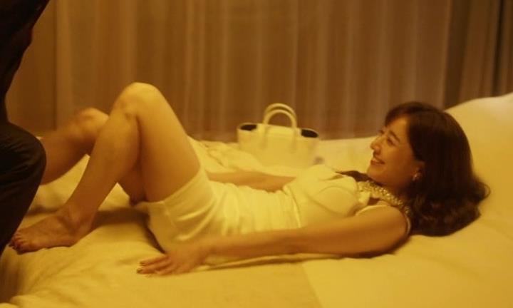 田中みな実 おっぱいが露出したり、ドラマでのエロ役キャプ・エロ画像10