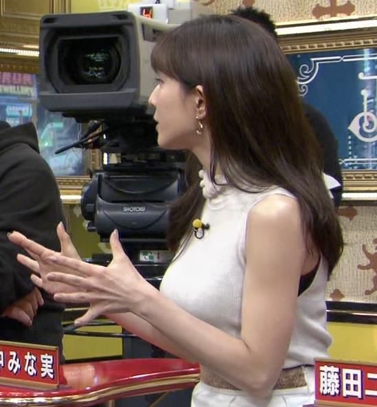 田中みな実 巨乳ニットおっぱいキャプ・エロ画像2