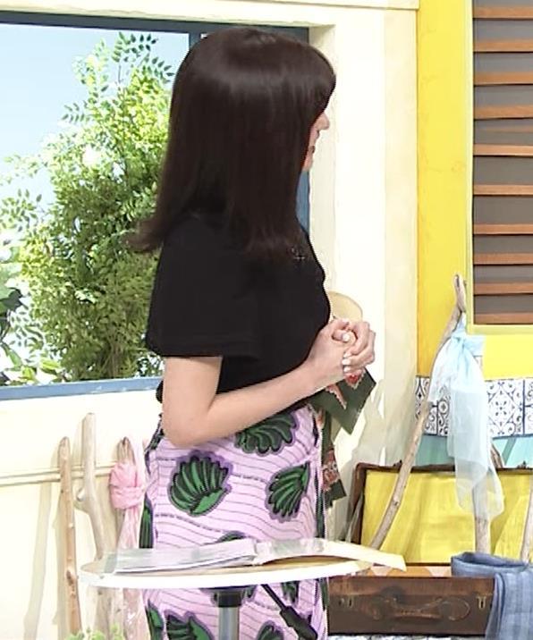 宇賀なつみ Tシャツ横乳&ワキチラキャプ・エロ画像4