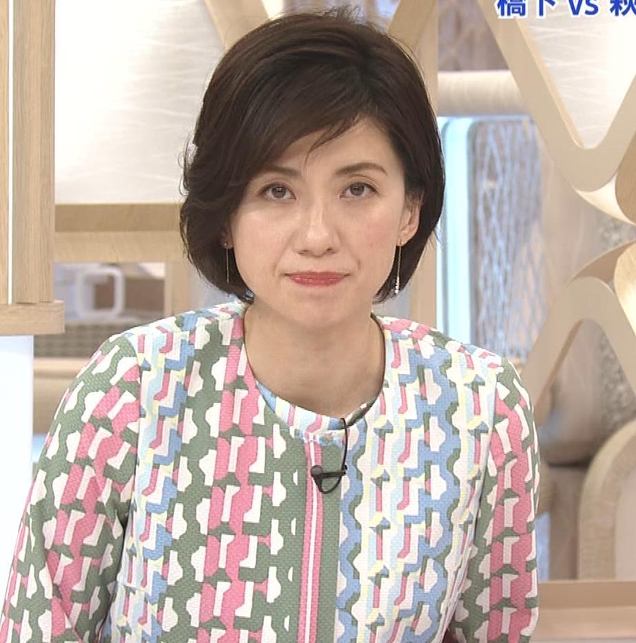 梅津弥英子アナ ミニス美脚キャプ・エロ画像4