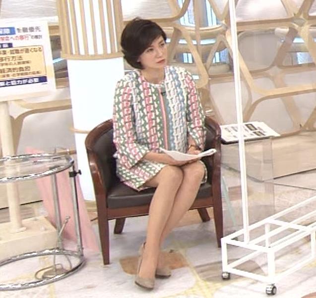 梅津弥英子アナ ミニス美脚キャプ・エロ画像5