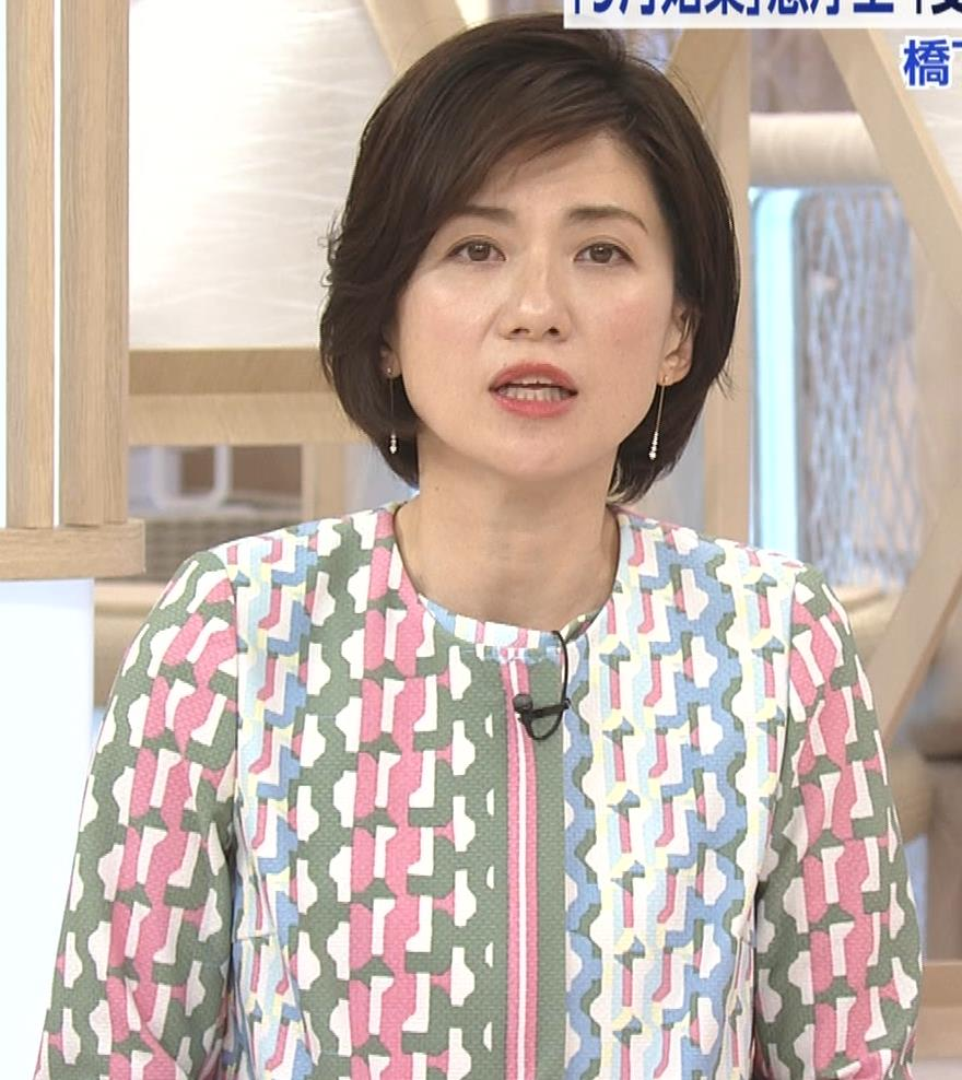 梅津弥英子アナ ミニス美脚キャプ・エロ画像6