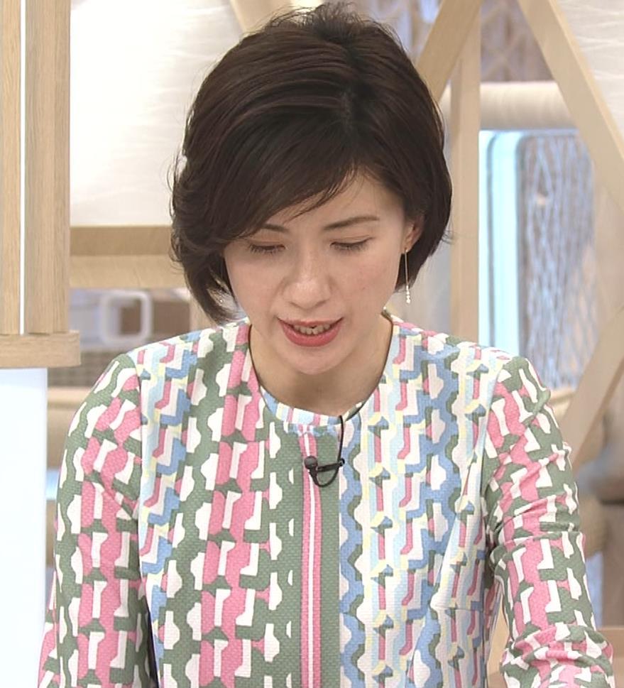 梅津弥英子アナ ミニス美脚キャプ・エロ画像8