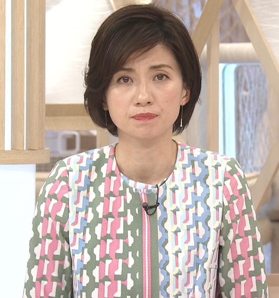 梅津弥英子アナ ミニス美脚キャプ・エロ画像9