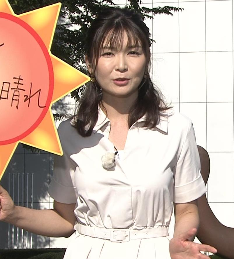 山神明理 パツパツ衣装で胸元チラキャプ・エロ画像4