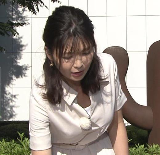 山神明理 パツパツ衣装で胸元チラキャプ画像(エロ・アイコラ画像)