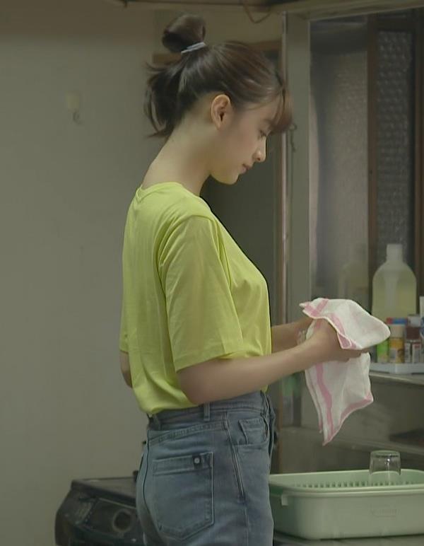 山本美月 Tシャツおっぱいキャプ・エロ画像11
