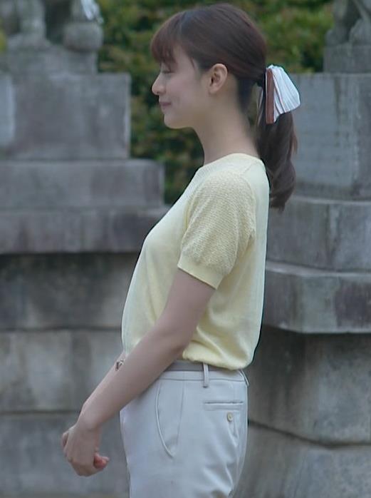 山本美月 Tシャツおっぱいキャプ・エロ画像7