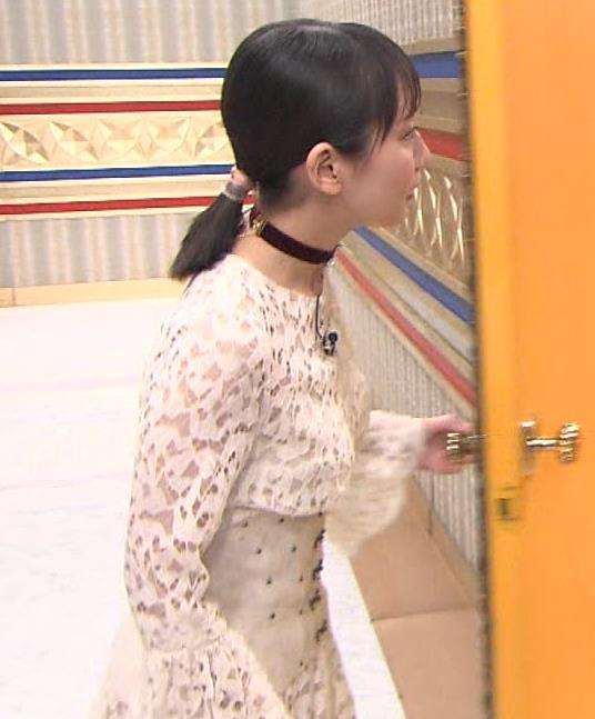 吉岡里帆 おっぱい強調ドレスキャプ・エロ画像7