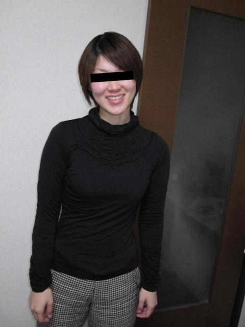 陰毛濃い目な素人女性の流出ヌード画像 1